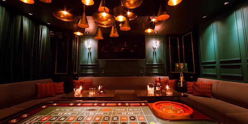 クラブ インディトランプの店内画像